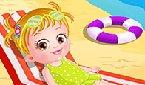 Baby Hazel am Strand